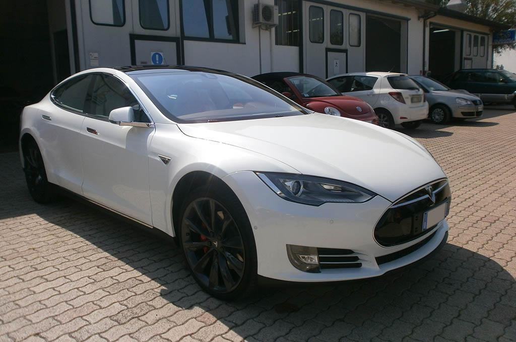 auto con sensori parcheggio