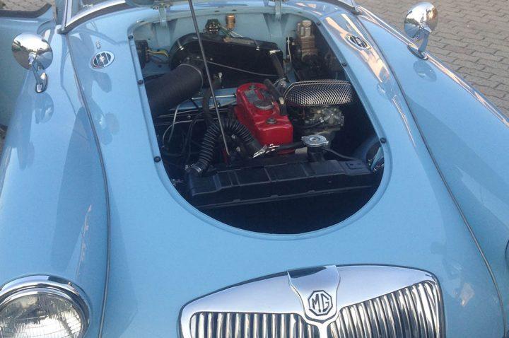 auto d'epoca restaurata